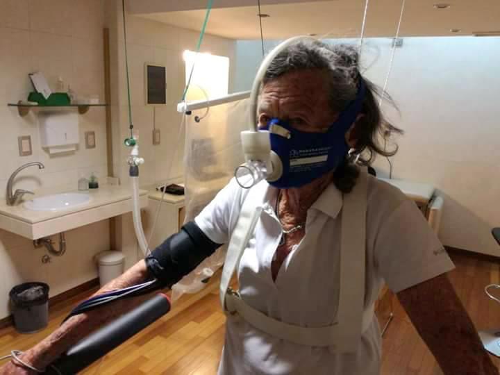 Hermosa Elisa Forti en la prueba hipóxica de simulación de altura y test de consumo de oxígeno/ejercicio cardiopulmonar.